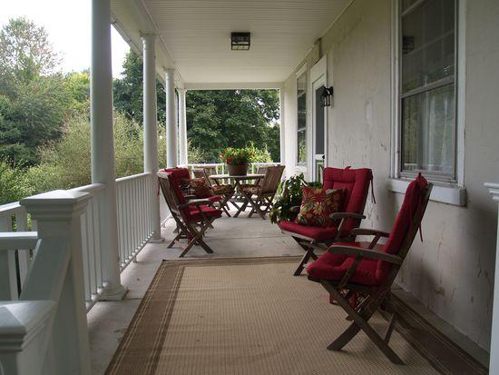 10637 Schantz Rd, Breinigsville, PA 18031