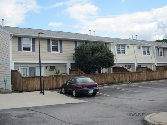 32 Newton St UNIT 32, Pawtucket, RI 02860