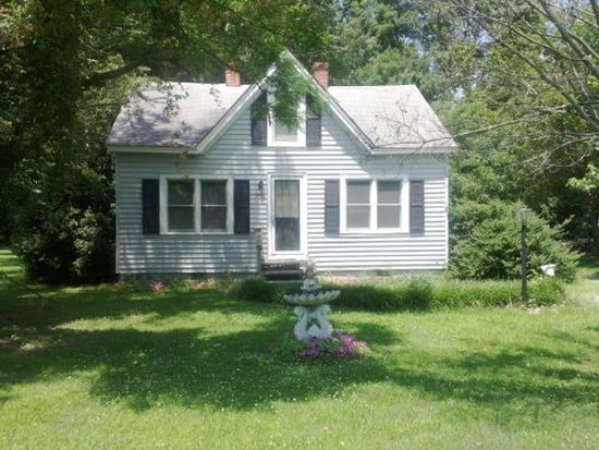 750 Johns Neck Rd, Weems, VA 22576