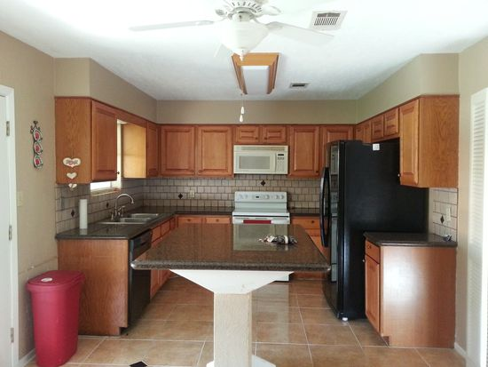 6675 Marshall Place Dr, Beaumont, TX 77706