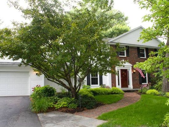 86 Foxbourne Rd, Penfield, NY 14526