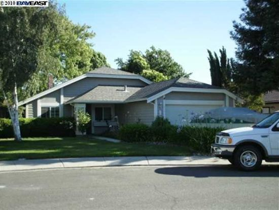 728 Lawn Ct, Tracy, CA 95376