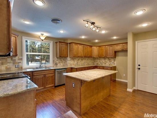 983 Cave Rock Ave, South Lake Tahoe, CA 96150