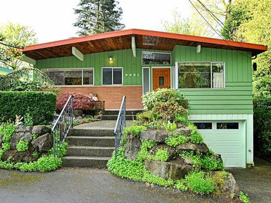 2021 NE 100th St, Seattle, WA 98125