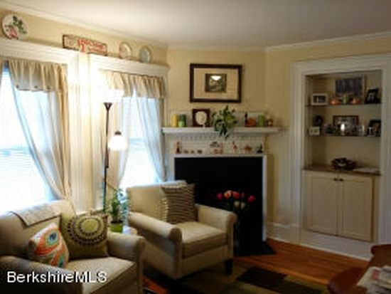 33 Maplewood Ave UNIT 306, Pittsfield, MA 01201