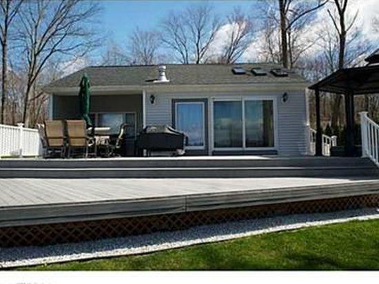13 Oneill Ln, East Hampton, CT 06424
