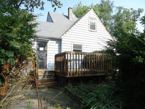 422 Forest Glen Dr, Round Lake Park, IL 60073