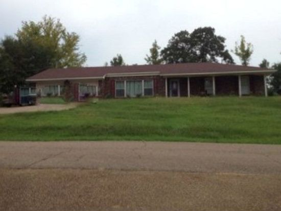 712 Wagner St, Water Valley, MS 38965