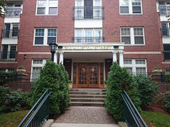 300 Allston St APT 214, Boston, MA 02135