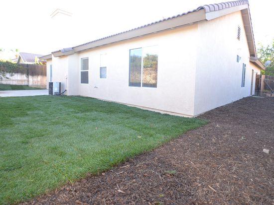 2105 Beechtree Ct, Mentone, CA 92359