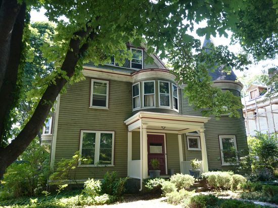 87 Alban St, Dorchester Center, MA 02124