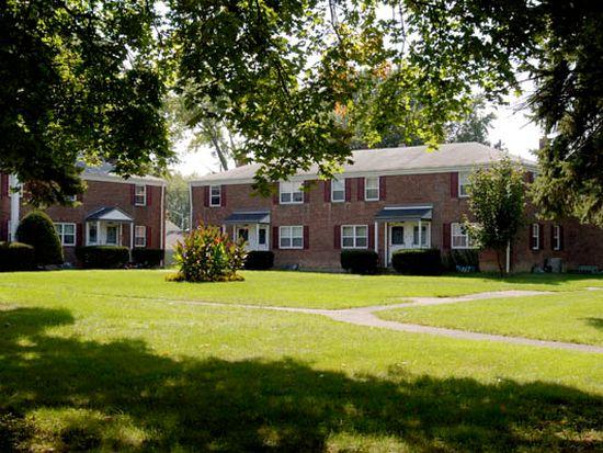 21C Picotte Dr, Albany, NY 12208