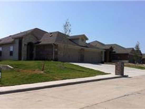 1033 Newcastle Dr, Weatherford, TX 76086