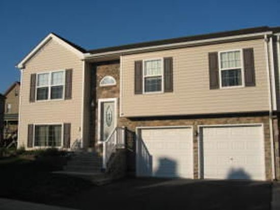 833 Water St, Mount Joy, PA 17552