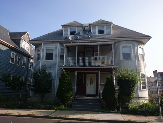 9 Mather St, Dorchester Center, MA 02124