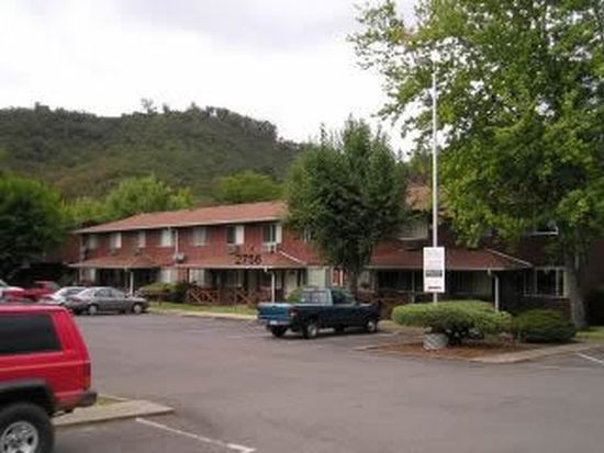 2756 NW Edenbower Blvd APT 2, Roseburg, OR 97471