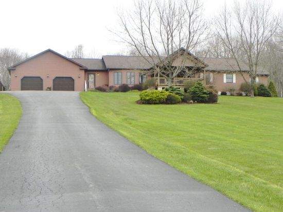 9556 Hager Rd, Meadville, PA 16335