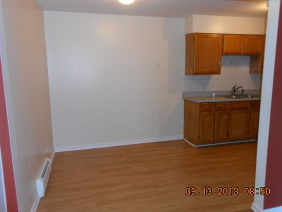 4616 Maple Ave APT 2A, Brookfield, IL 60513