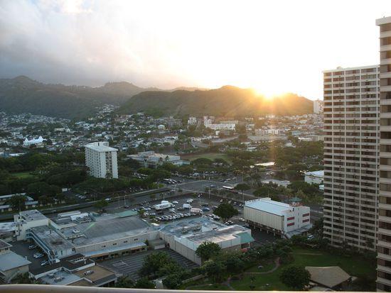 1212 Nuuanu Ave APT 2706, Honolulu, HI 96817