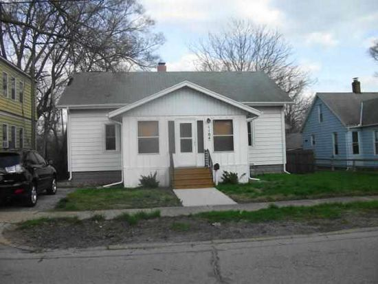 1104 N Michigan St, Elkhart, IN 46514