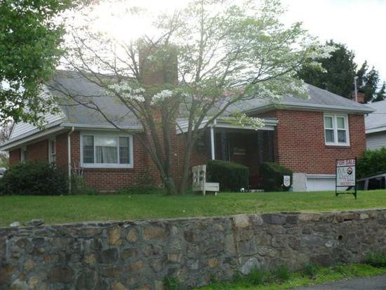 2420 S Carpenter Dr, Covington, VA 24426