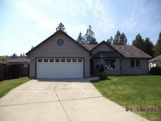 35 Kelley Ct, Shady Cove, OR 97539