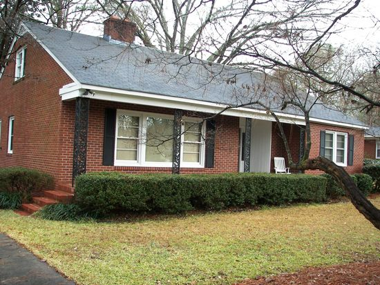 1604 Beaumont Dr, Greenville, NC 27858