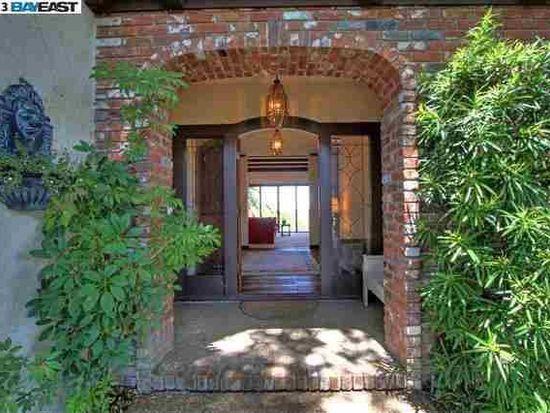 22 Castlewood Dr, Pleasanton, CA 94566