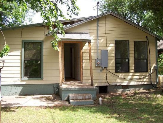 1208 NW Bell Ave, Lawton, OK 73507