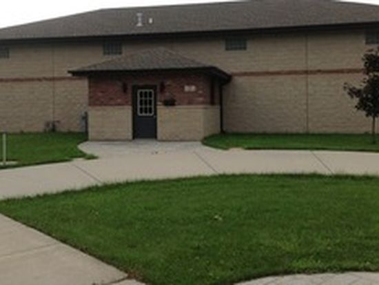 55 W Maple St, Coal City, IL 60416