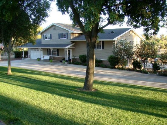 1414 Walnut St, Ramona, CA 92065