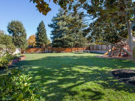 3573 Grant Rd, Mountain View, CA 94040