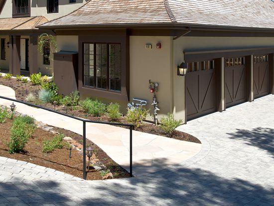 40 Bates Rd, Hillsborough, CA 94010