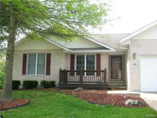 910 Winchester Dr, Rolla, MO 65401