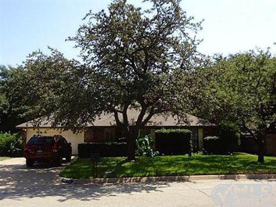 4703 Rockhampton Dr, Arlington, TX 76016