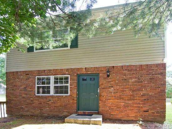12 Greenlawn Rd, Huntington, NY 11743