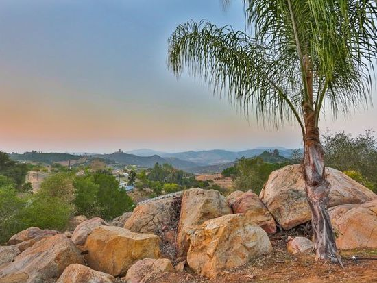 30637 Roadrunner Rdg, Valley Center, CA 92082