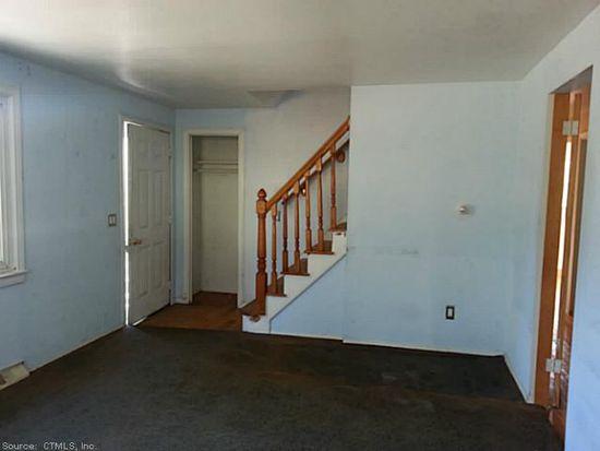 39 Virginia Ave, Groton, CT 06340