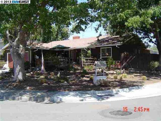 1370 Roselli Dr, Livermore, CA 94550