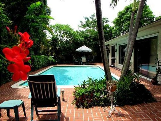9720 W Calusa Club Dr, Miami, FL 33186