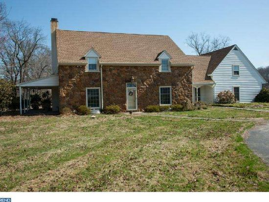 1095 Chester Springs Rd, Phoenixville, PA 19460