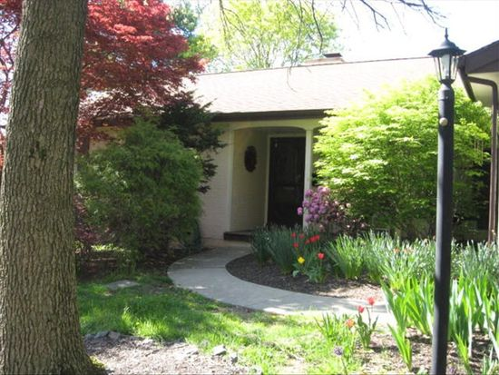 1725 Dauphin Ave, Wyomissing, PA 19610