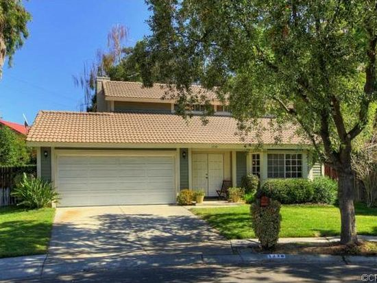 1238 Country Pl, Redlands, CA 92374