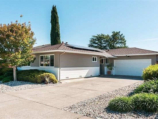 934 Las Pavadas Ave, San Rafael, CA 94903