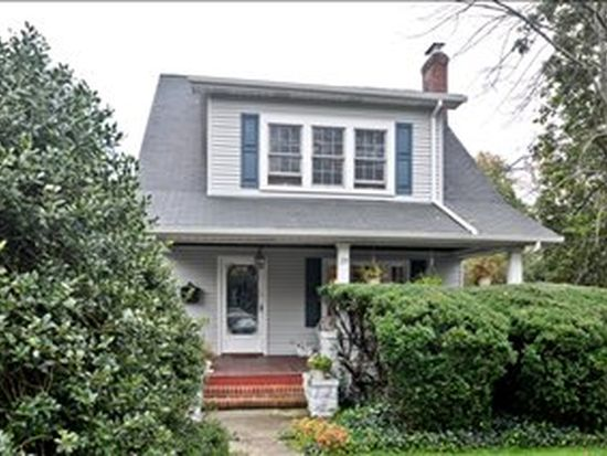 29 Grove Ave, Verona, NJ 07044