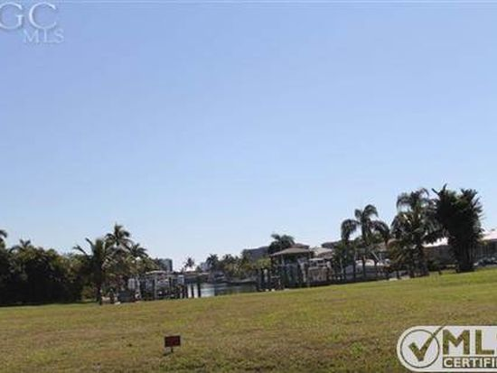 270 Albatross St, Fort Myers Beach, FL 33931