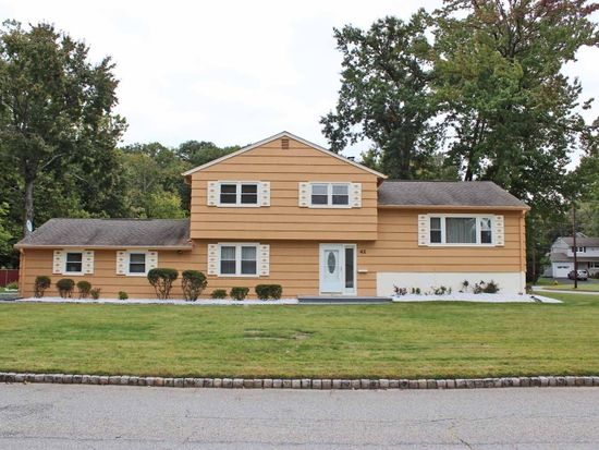42 Aldom Cir, West Caldwell, NJ 07006