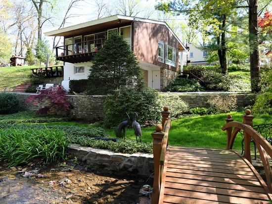 2574 Valley View Dr, Huntingdon Valley, PA 19006