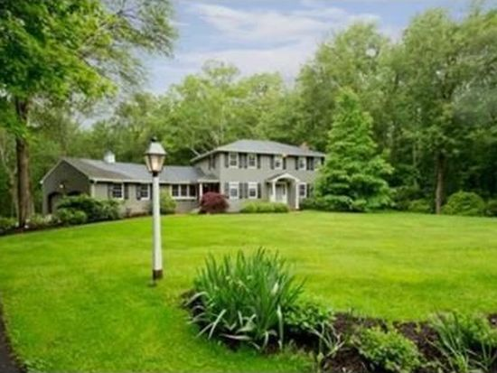 269 Brentwood Cir, North Andover, MA 01845