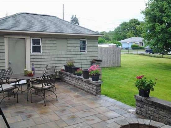 1463 Read St, Somerset, MA 02726